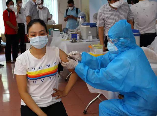 Chính phủ đồng ý với đề nghị của TP HCM về mua và nhập vắc-xin Covid-19  - Ảnh 1.