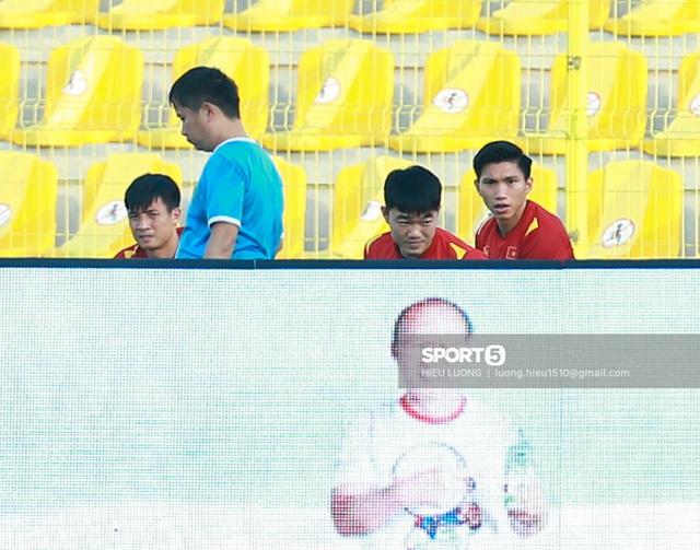 Thầy Park chơi khó ở buổi tập của tuyển Việt Nam, phóng viên UAE chán nản suýt bỏ về sớm - Ảnh 3.