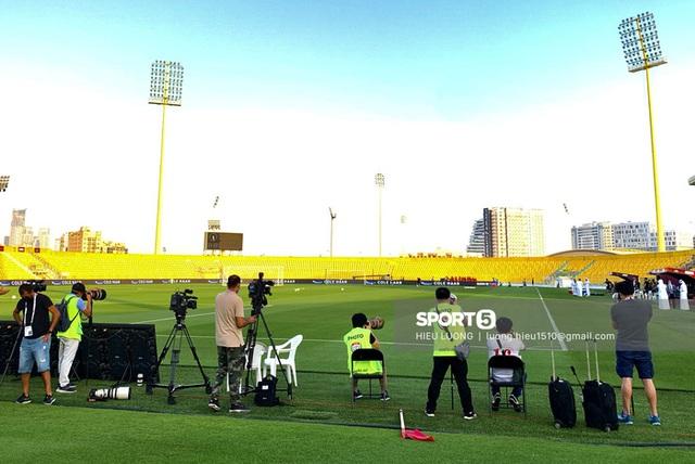 Thầy Park chơi khó ở buổi tập của tuyển Việt Nam, phóng viên UAE chán nản suýt bỏ về sớm - Ảnh 4.