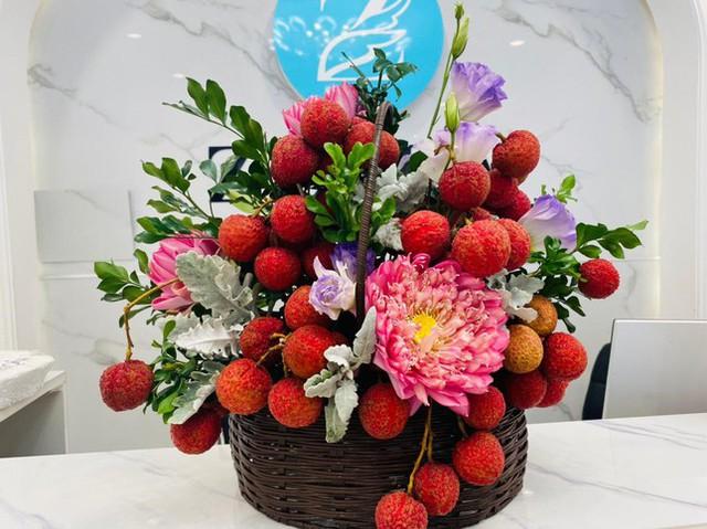 Vải thiều xuất Nhật được bày như lẵng hoa, giá 35.000 đồng/kg - Ảnh 4.