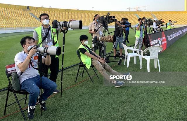 Thầy Park chơi khó ở buổi tập của tuyển Việt Nam, phóng viên UAE chán nản suýt bỏ về sớm - Ảnh 5.