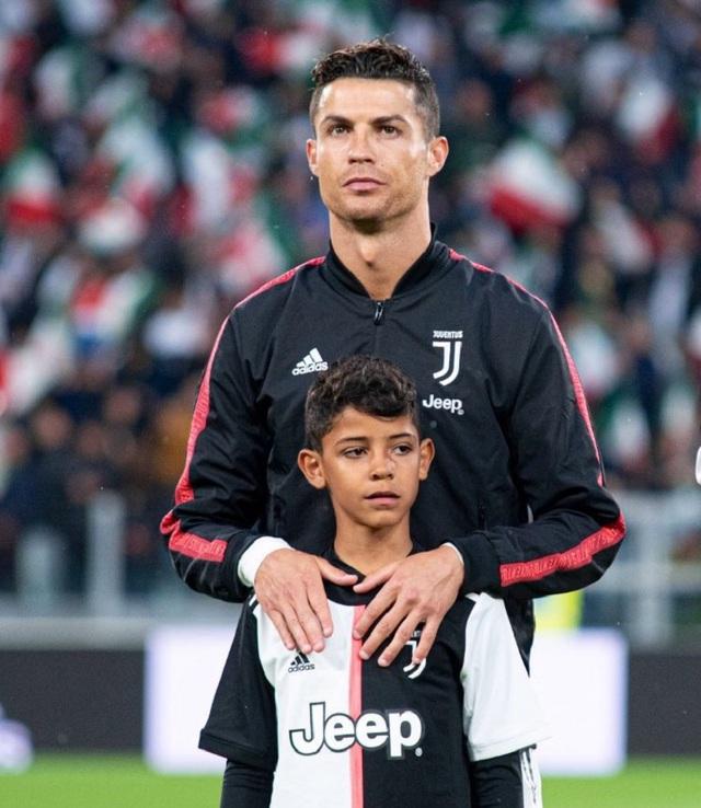 Bạn thân tiết lộ nỗi sợ lớn nhất của Cristiano Ronaldo về cậu quý tử 10 tuổi sinh ra đã ở vạch đích, thừa hưởng gen chuẩn con nhà nòi - Ảnh 5.