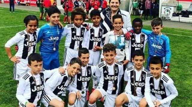 Bạn thân tiết lộ nỗi sợ lớn nhất của Cristiano Ronaldo về cậu quý tử 10 tuổi sinh ra đã ở vạch đích, thừa hưởng gen chuẩn con nhà nòi - Ảnh 7.