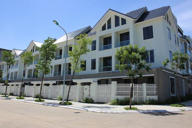 Giá bất động sản tăng bất chấp dịch, nhiều nhà đầu tư không dám bán - Ảnh 1.