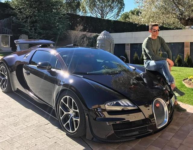Bộ sưu tập xe của siêu cầu thủ Cristiano Ronaldo vừa lập kỷ lục ghi bàn tại Euro: Bugatti, Lamborghini, Rolls-Royce đủ cả, toàn hàng limited edtion - Ảnh 3.