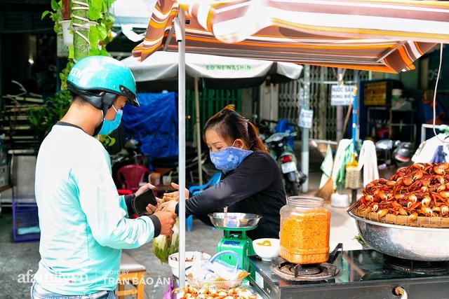 Mâm ba khía Cà Mau hấp giúp bà chủ mỗi tháng kiếm nhẹ nhàng 400 triệu dù trong mùa dịch, cả Sài Gòn tìm đỏ con mắt cũng khó có mâm thứ hai  - Ảnh 13.