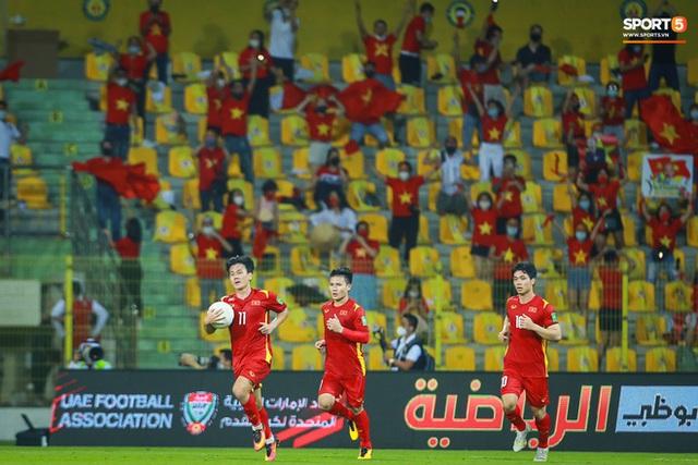 Thua một trận, thắng cả chiến dịch: Và lịch sử bóng đá Việt Nam vẫn đang được viết tiếp! - Ảnh 4.