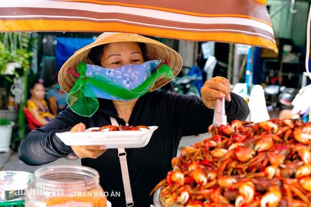 Mâm ba khía Cà Mau hấp giúp bà chủ mỗi tháng kiếm nhẹ nhàng 400 triệu dù trong mùa dịch, cả Sài Gòn tìm đỏ con mắt cũng khó có mâm thứ hai  - Ảnh 5.
