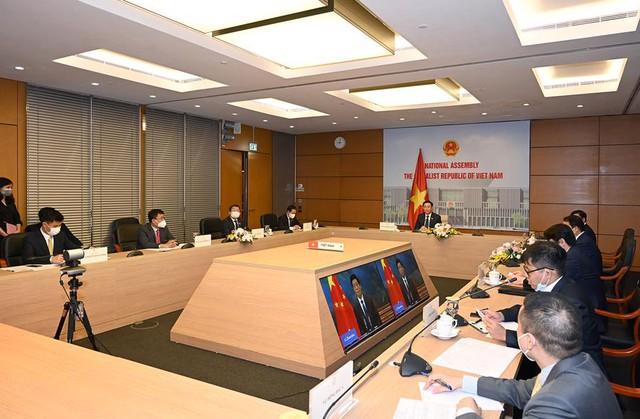 Chủ tịch Quốc hội đề nghị Trung Quốc tăng cường nhập khẩu hàng hóa của Việt Nam - Ảnh 1.