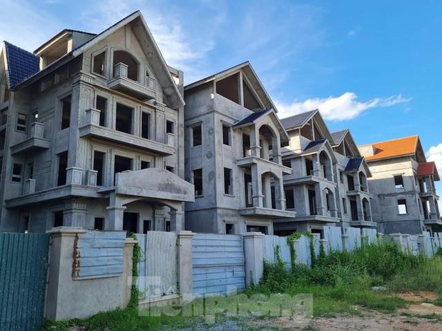 Tận thấy dự án du lịch biến thành khu toàn biệt thự để bán ở Hà Nội  - Ảnh 1.