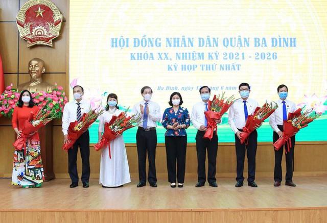 Ông Tạ Nam Chiến tái đắc cử Chủ tịch UBND quận Ba Đình  - Ảnh 1.