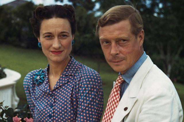Mối tình hoàng gia huyền thoại nước Anh: Vị vua duy nhất thời hiện đại si tình đến mức từ bỏ cả ngai vàng để cưới người phụ nữ đã qua 2 lần đò - Ảnh 8.