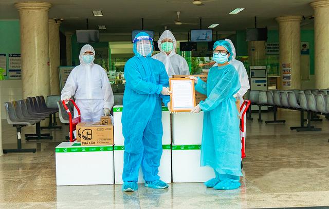 Doanh nghiệp đồng loạt chung tay ủng hộ quỹ vaccine phòng chống COVID-19 - Ảnh 1.