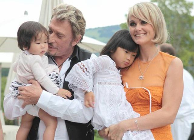 Em bé mồ côi Việt Nam được vợ chồng danh ca Pháp nổi tiếng nhận nuôi gây bất ngờ với cuộc sống và diện mạo sau 17 năm - Ảnh 6.