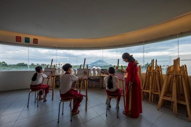 Tin nổi không, một ngôi trường học ở Tây Ninh có cảnh quan đẹp nín thở như resort cao cấp - Ảnh 10.