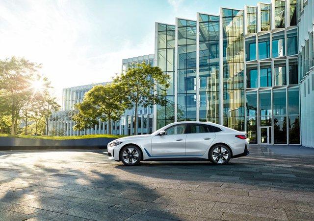 BMW i4 - chiếc sedan hạng sang chạy điện cả thế giới đang mong đợi? - Ảnh 7.