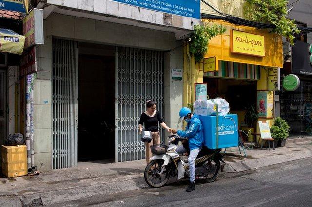 Bloomberg: Bức tranh phía sau thương vụ 400 triệu USD của Alibaba - Masan và sự hấp dẫn của tầng lớp trung lưu Việt Nam trong mắt các đại gia - Ảnh 1.
