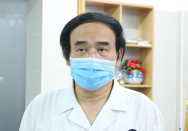 Nắng nóng đỉnh điểm, giám đốc Trung tâm cấp cứu BV Bạch Mai chỉ ra dấu hiệu sốc nhiệt - Ảnh 1.