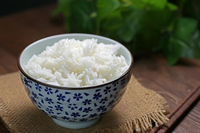 Người Việt không nên tiêu thụ thường xuyên 3 loại cơm này vì có thể phải đối mặt với ngộ độc và ung thư - Ảnh 1.