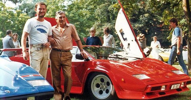 Ferrari đổ dầu vào vạc lửa Lamborghini: Ông là một tên lái máy kéo, đừng cằn nhằn về xe của tôi! - Ảnh 4.