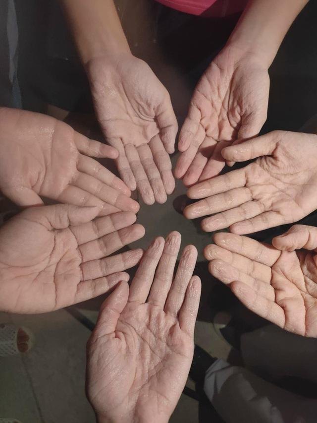 Nhật ký chống dịch của thầy trò trường Y ở tâm dịch Bắc Giang: Mệt chỉ là cảm giác, cho tụi em nghỉ 10 phút rồi mình chiến tiếp! - Ảnh 7.