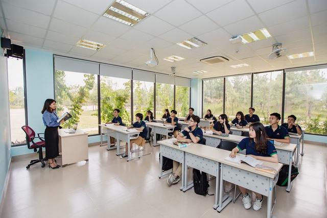 Đặt 2 hệ thống giáo dục bao trọn từ tiểu học đến đại học ở Việt Nam lên bàn cân: Khuôn viên đẹp như tranh vẽ, trải nghiệm học tập đỉnh cao, nhiều cơ hội việc làm sau khi tốt nghiệp, cạnh tranh một chín một mười! - Ảnh 17.
