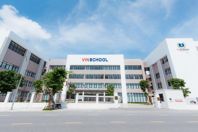 Đặt 2 hệ thống giáo dục bao trọn từ tiểu học đến đại học ở Việt Nam lên bàn cân: Khuôn viên đẹp như tranh vẽ, trải nghiệm học tập đỉnh cao, nhiều cơ hội việc làm sau khi tốt nghiệp, cạnh tranh một chín một mười! - Ảnh 1.
