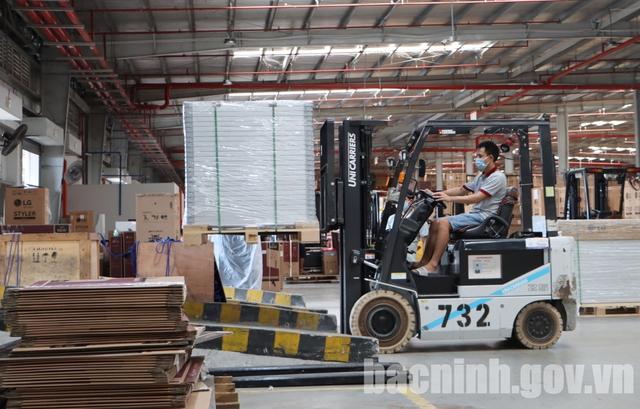 Bắc Ninh: Tạo mọi điều kiện cho doanh nghiệp hoạt động trong tình hình mới - Ảnh 1.