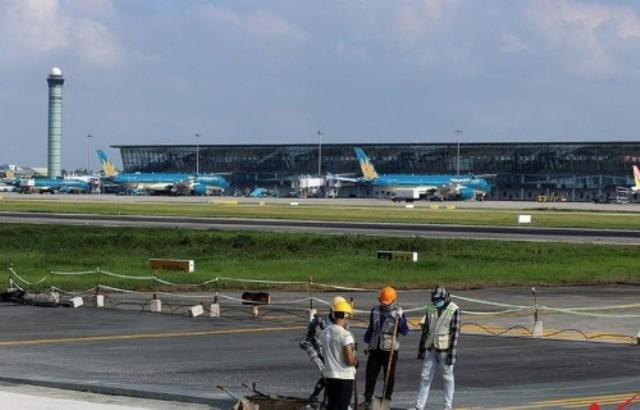 Bộ Giao thông khước từ đề nghị xây dựng sân bay của 11 địa phương  - Ảnh 2.