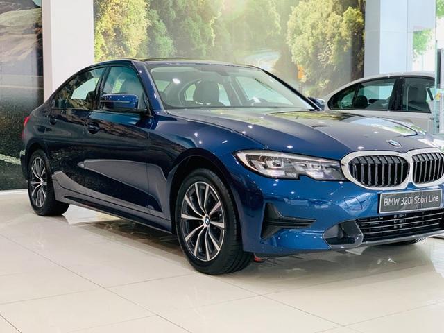 BMW 3-Series giảm giá 130 triệu đồng tại đại lý, rút ngắn khoảng cách giá đấu Mercedes-Benz C-Class - Ảnh 4.