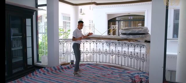 Doanh nhân Minh Nhựa khoe một góc biệt thự mới đang xây, tiết lộ mua nhà vì chỗ đậu xe và… một cái cây - Ảnh 7.