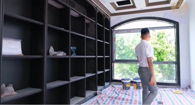 Doanh nhân Minh Nhựa khoe một góc biệt thự mới đang xây, tiết lộ mua nhà vì chỗ đậu xe và… một cái cây - Ảnh 5.