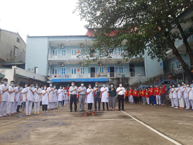 Những câu chuyện về tình người từ ký ức của nhóm phóng viên lao vào tâm dịch Bắc Giang - Ảnh 2.