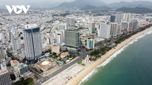 Kinh tế Khánh Hòa tăng trưởng trở lại từ khi bị ảnh hưởng do dịch Covid-19  - Ảnh 1.