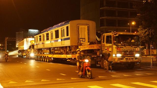 Cận cảnh đoàn tàu số 4 của metro số 1 đưa về depot Long Bình, TP Thủ Đức  - Ảnh 13.