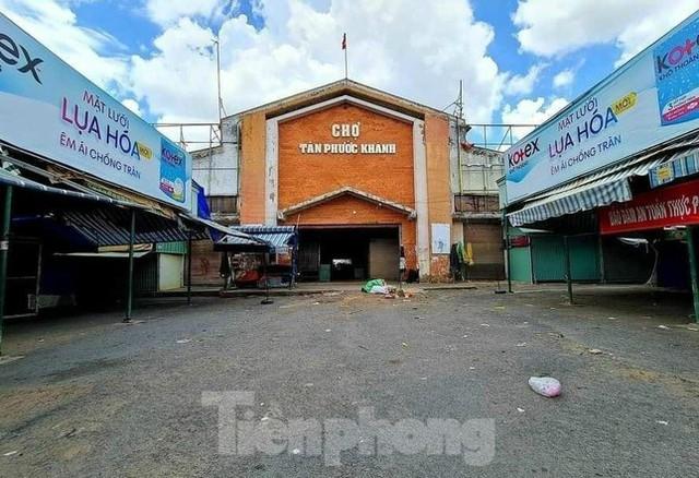 Phố phường Bình Dương vắng tanh trong ngày đầu giãn cách xã hội  - Ảnh 4.