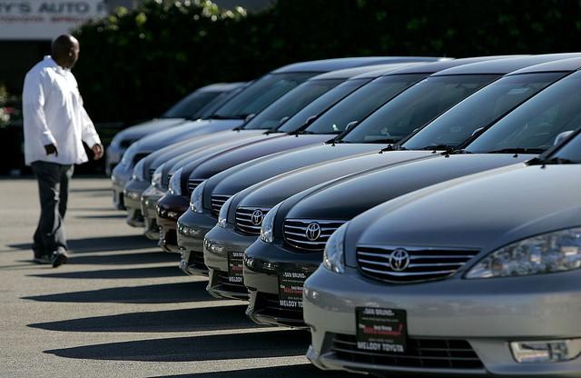 Xe second hand đi 2 năm giá cao hơn xe mới cả nghìn USD - đây là thị trường ô tô điên rồ thế giới - Ảnh 2.