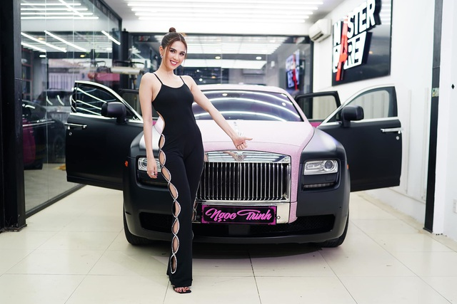 Hai siêu xe hồng đen thị phi của showbiz Việt: Rolls-Royce vẫn im lìm, Maybach quyết đổi màu cho phong thủy hơn - Ảnh 1.