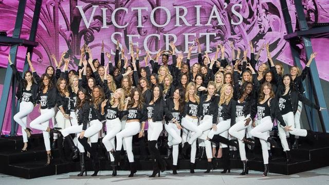 Thiên thần nghỉ hưu, Victorias Secret sống sót? - Ảnh 1.
