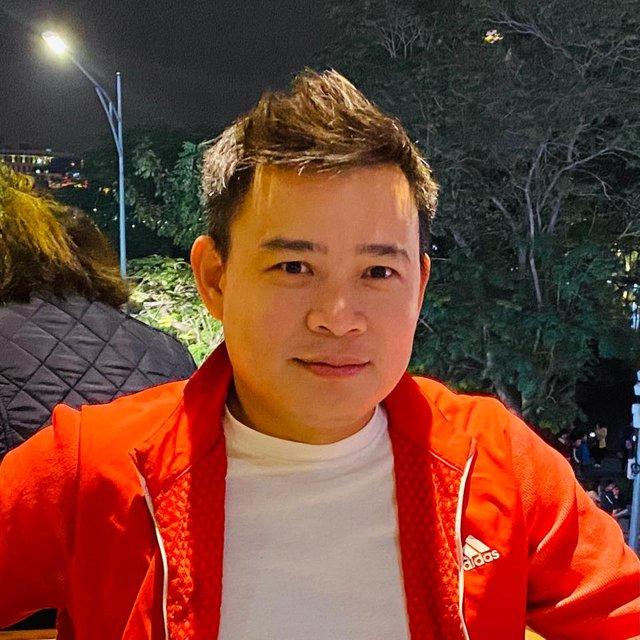 Cầu hôn bạn gái ở tuổi 41, triệu phú công nghệ Hùng Đinh quan niệm: Đàn ông 25 tuổi mà ế là một sự thành công, đáng sợ nhất là 35 tuổi vẫn nghèo - Ảnh 2.