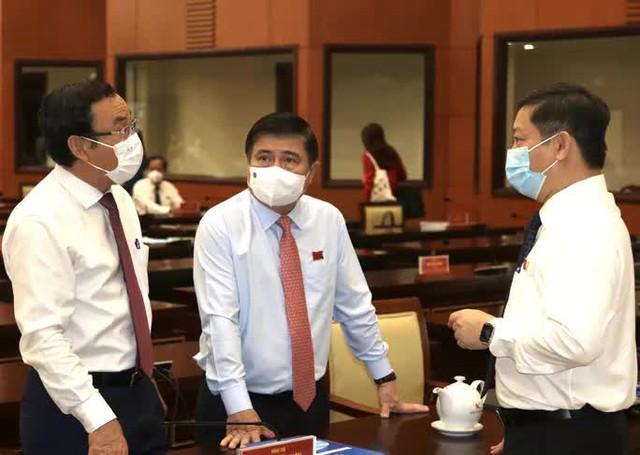Ông Nguyễn Thành Phong tiếp tục được bầu làm Chủ tịch UBND TP HCM  - Ảnh 2.