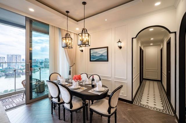 Căn hộ Indochine ăn điểm với cách phối màu cực tinh tế, phòng ngủ chuẩn khách sạn 5 sao với view đỉnh - Ảnh 10.