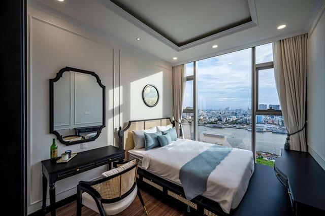 Căn hộ Indochine ăn điểm với cách phối màu cực tinh tế, phòng ngủ chuẩn khách sạn 5 sao với view đỉnh - Ảnh 13.