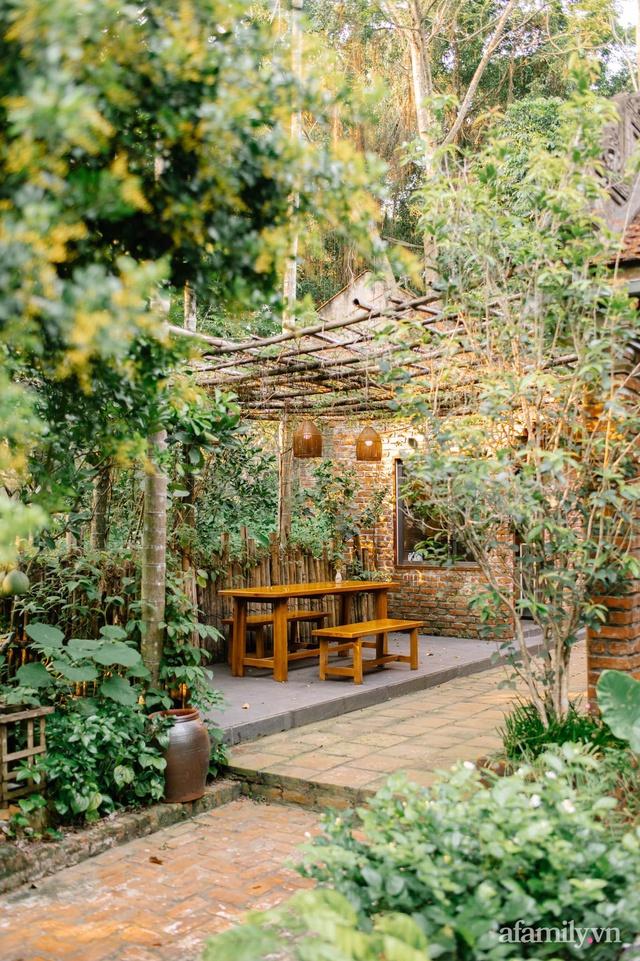 Cuộc sống yên bình trong ngôi nhà nhỏ và khu vườn xanh mát bóng cây ở ngoại thành Hà Nội - Ảnh 16.