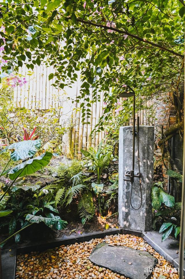 Cuộc sống yên bình trong ngôi nhà nhỏ và khu vườn xanh mát bóng cây ở ngoại thành Hà Nội - Ảnh 17.