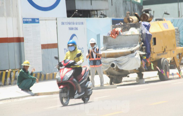 Người lao động Bình Định vật vã mưu sinh dưới nắng nóng khắc nghiệt  - Ảnh 5.