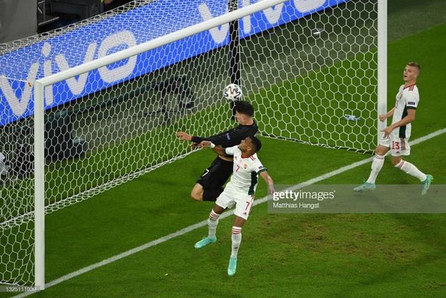 Bảng tử thần kết thúc trong cuộc rượt đuổi nghẹt thở, Ronaldo đi vào lịch sử bóng đá thế giới - Ảnh 7.