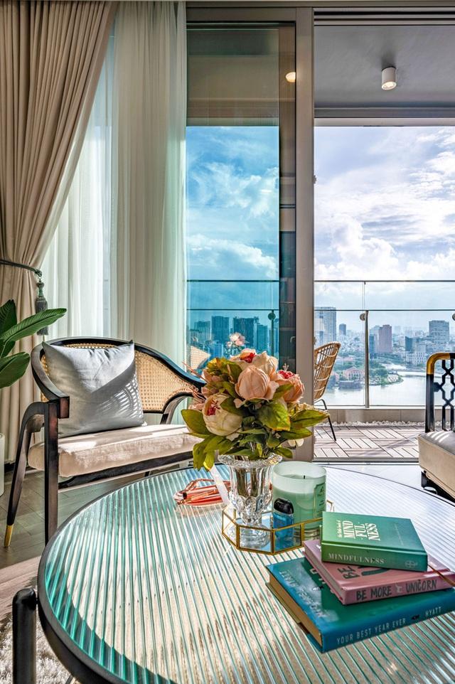 Căn hộ Indochine ăn điểm với cách phối màu cực tinh tế, phòng ngủ chuẩn khách sạn 5 sao với view đỉnh - Ảnh 7.