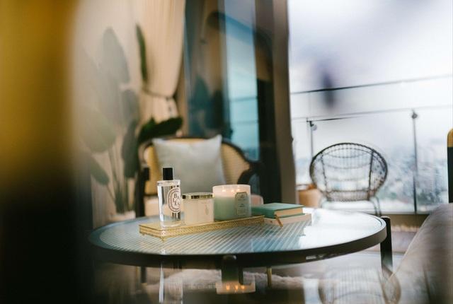 Căn hộ Indochine ăn điểm với cách phối màu cực tinh tế, phòng ngủ chuẩn khách sạn 5 sao với view đỉnh - Ảnh 8.