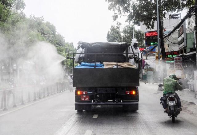 Bộ Ngoại giao lên tiếng việc tờ New York Times nói Việt Nam hết may mắn trong chống dịch - Ảnh 1.